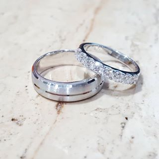 latest wedding rings at american swiss